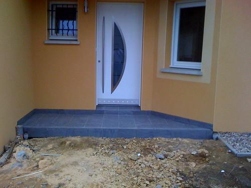 Muret ext rieur les bordures de la maison carrelage for Carrelage porte d entree