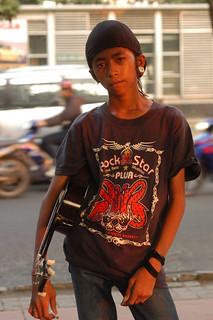 Ganay Ganay, terpaksa mengamen dan tidak sekolah: Mamuk Ismuntoro, Surabaya