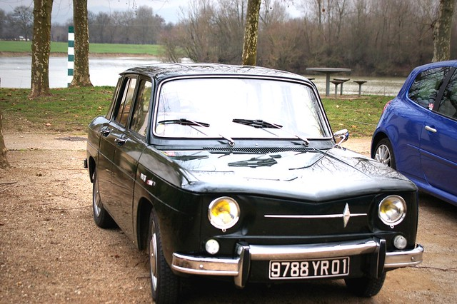 renault 8 r8 major r1132 verte retro car meeting d cembre. Black Bedroom Furniture Sets. Home Design Ideas