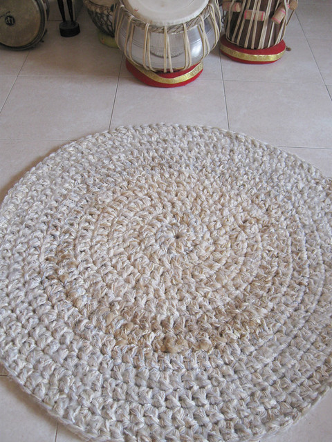 Knitting Pattern For Round Rug : Hand Knitted Round Rug Flickr - Photo Sharing!