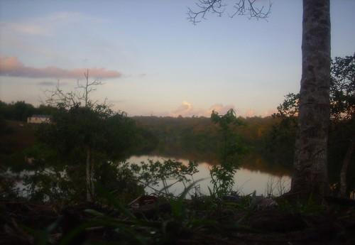 amanhecer de um lago...