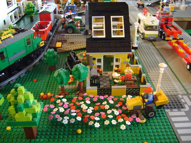 Lego City Beach House 4996 Garden2 Flickr Photo Sharing