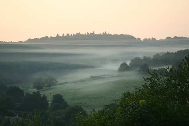 Misty morning in the Morvan Burgundy - Flickr CC francehousehunt
