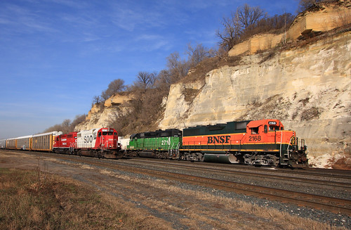 Ford Hauler and BN-UP Transfer at Dayton's Bluff, Saint Paul, MN