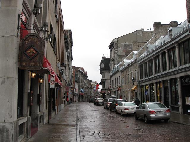 Food Rue Saint Lazara