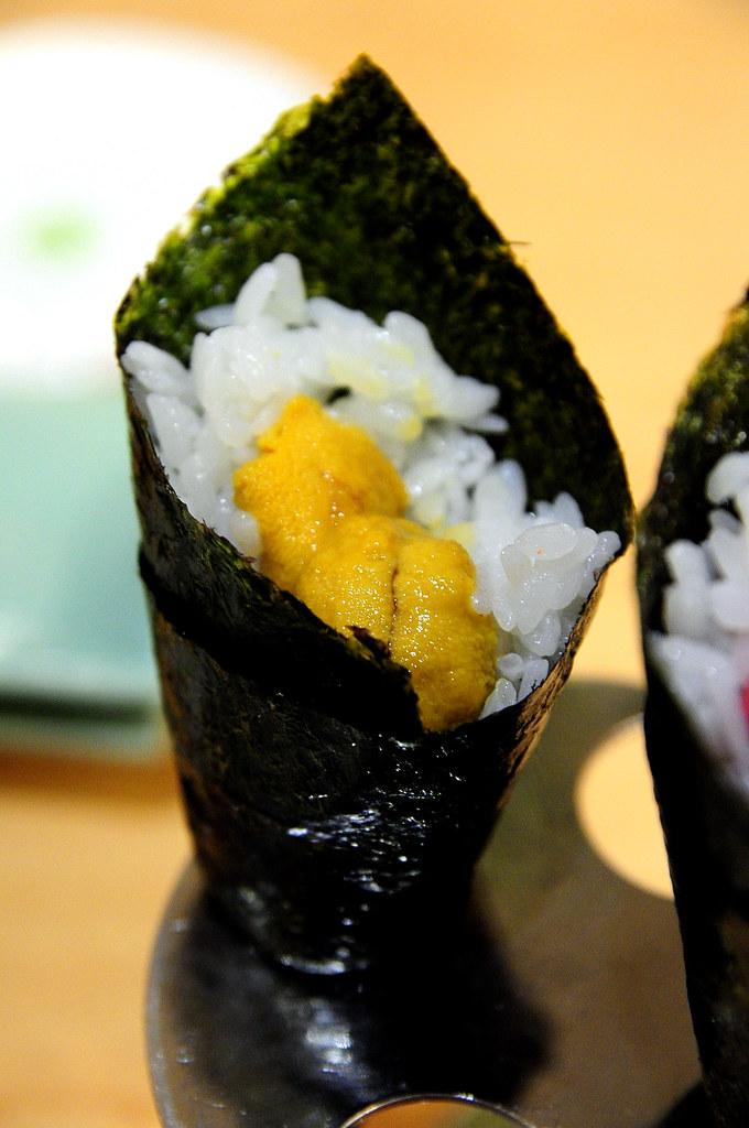 Rainbow Row Sushi 紅彩壽司-海膽手卷 NT$160