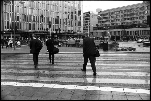 Swedish don't respect traffic light.