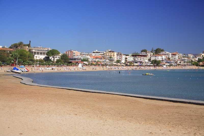 Peaceful Beach in Altinkum, Turkey