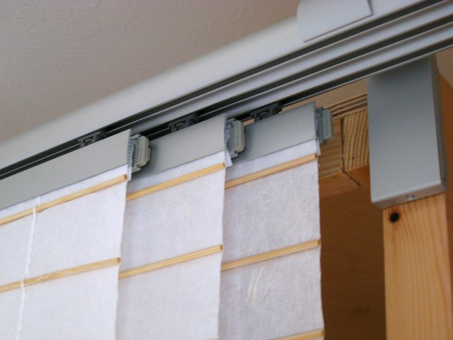 Close Up Of Ikea 39 S 3 Rail Kvartal System With Anno Amorf Panel Curtains Flickr Photo Sharing