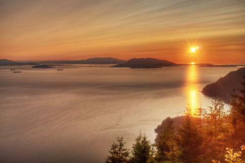 trees sunset sun mountain nature water forest landscape island islands evening bay washington woods scenery afternoon view unitedstates scene sanjuan bow skagit wilderness sanjuans sanjuanislands hdr blanchard samish samishbay blanchardmountain