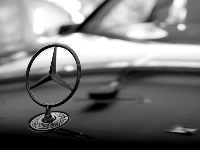 Mercedes cla tri star hood ornament mercedes cla forum for Tri star mercedes benz