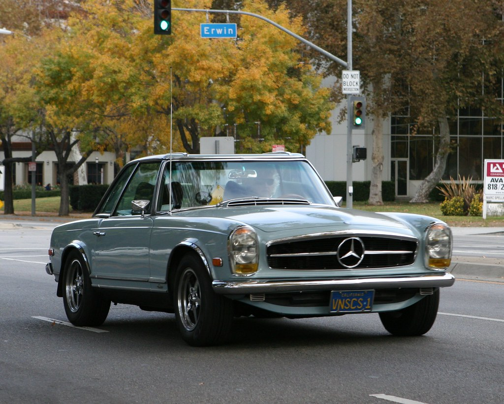 Mercedes benz pagoda w113 for Mercedes benz w113