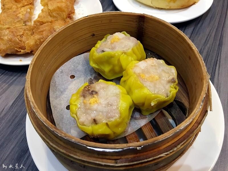 32076163813 62b65538cb b - 寶達港式茶餐廳│由香港師傅掌廚,最推會爆漿的黃金流沙包、冰熱鹹甜的冰火菠蘿包