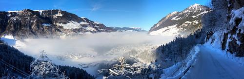 lungern schweiz obwalden winter schnee nebel