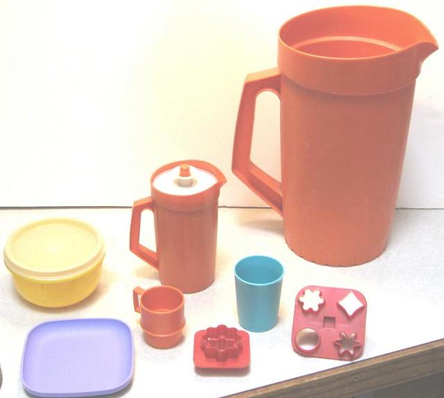 childrens Tupperware play set-70's