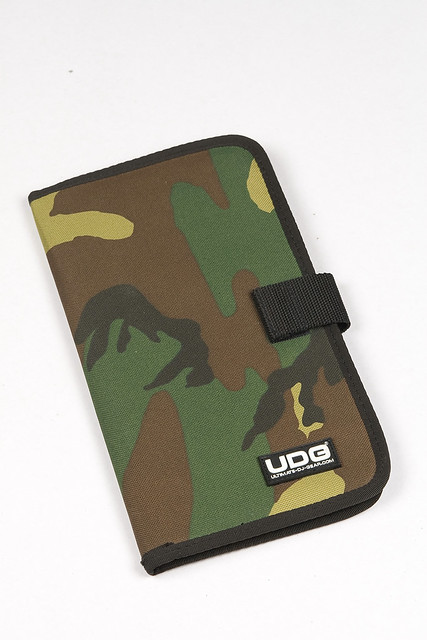 UDG CD WALLET 24 (CAMO)
