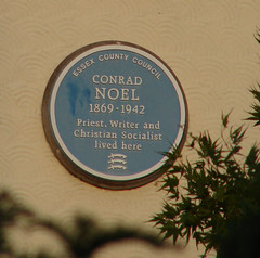 Photo of Conrad Noel blue plaque