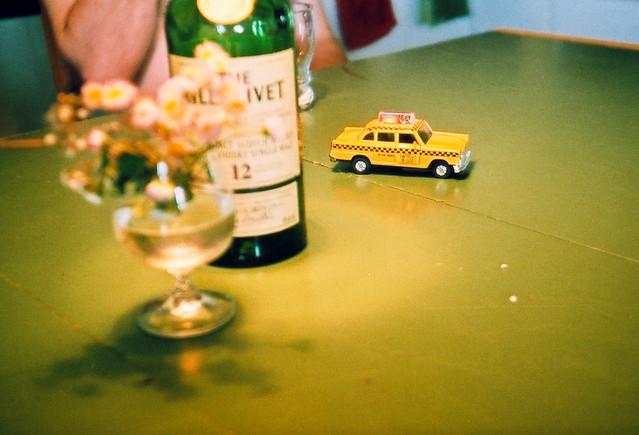Le taxi de Ludo, le whisky de Papi et les fleurs de maman