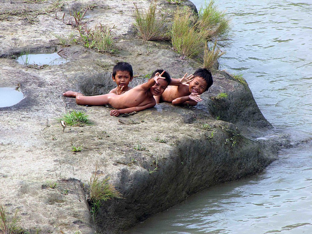 Bangladesh boy swim #1