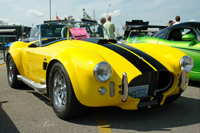 Shelby Cobra 427 - black stripes on yellow