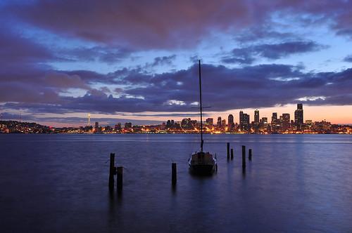seattle skyline sailboat sunrise washington nikon waterfront windy alki spaceneedle elliottbay davidhogan d5000