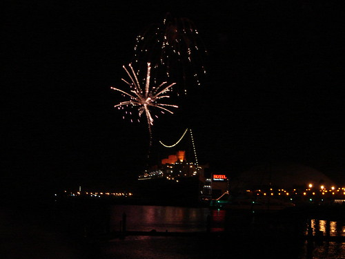 QUEEN MARY NEW YEARS EVE