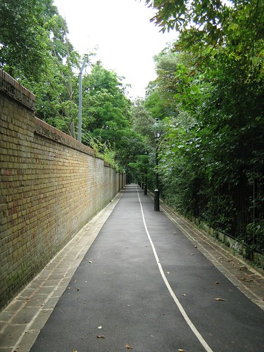 vanishing point - holland park, kensington, london