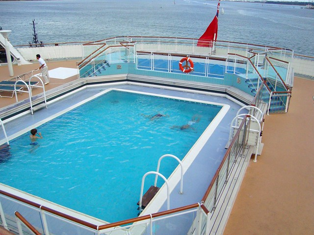 Queen mary 2 flickr photo sharing - Queen mary swimming pool victoria ...