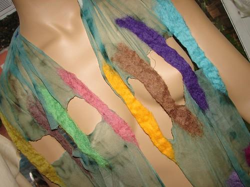 Ludovica e suas echarpes maravilhosas!!! by Atelier Mônica de Godoi