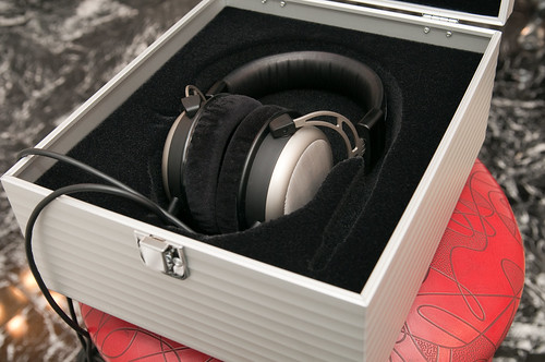 The Beyerdynamic T1 in its aluminum box
