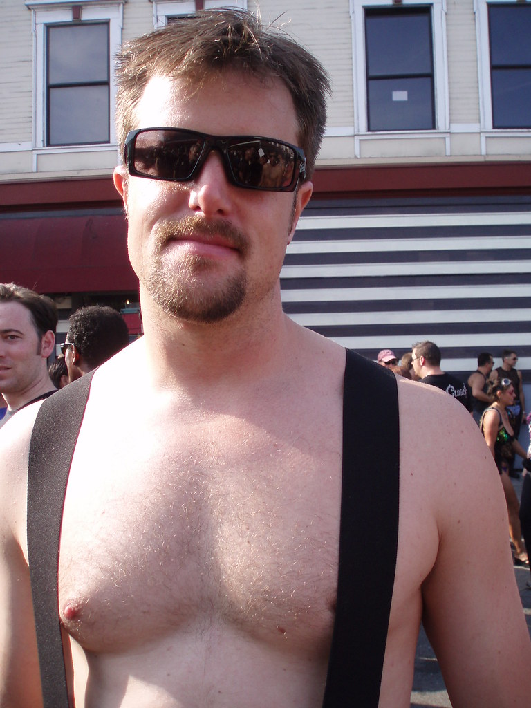 HELLA HOT & HAIRY YOUNG STUD ! FOLSOM STREET FAIR 2009 ! ( safe photo )