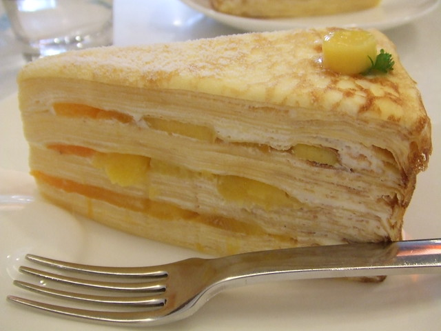 Cake With Fruit Layers : Fruit Layer Cake Flickr - Photo Sharing!