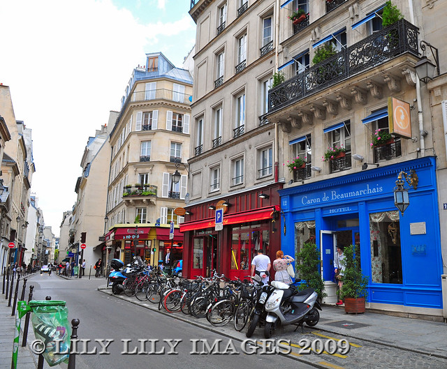 Paris quartier du marais the marais neighborhood in - Quartier du marais metro ...
