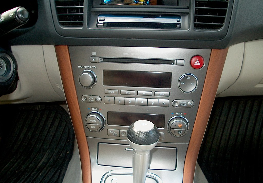 2005 Subaru Outback Radio