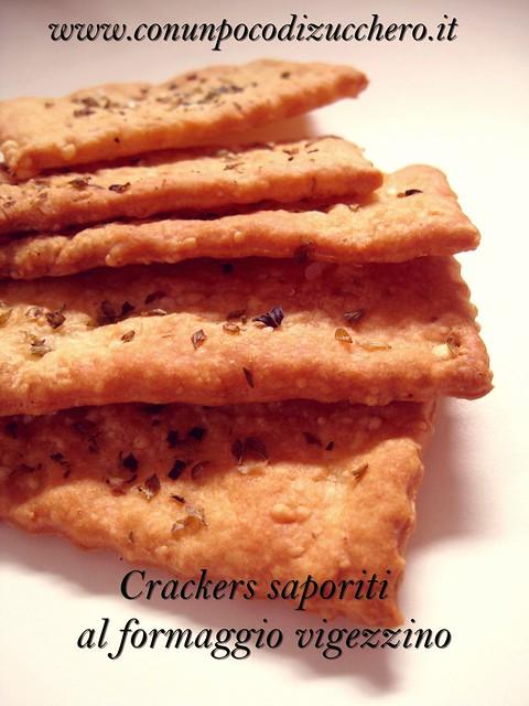 Crackers saporiti al formaggio vigezzino