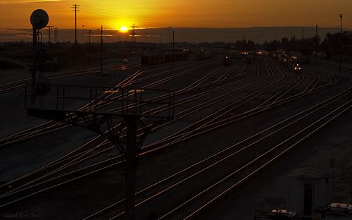 california sunset color backlight canon outdoors lowlight sunsets socal unionpacific canondslr railroads railyards inlandempire sbcusa kenszok