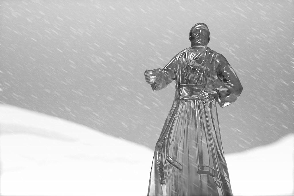 Snow Ordinary Ghost