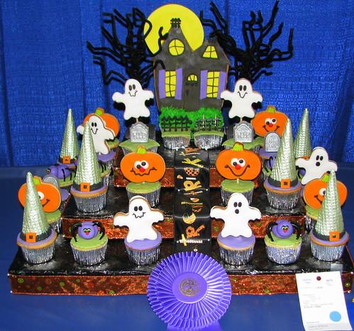 09 TN State fair #4: Halloween Cupcakes