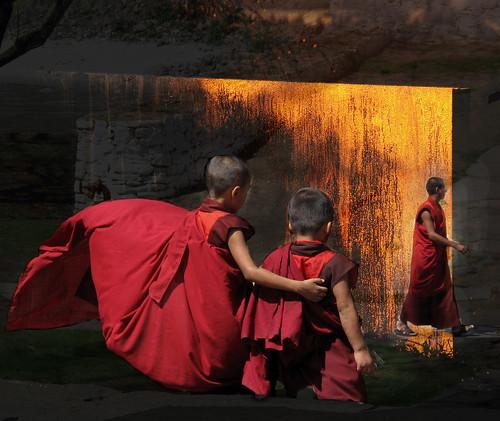 color bhutan buddhism overlay monks dzong tms punakha tellmeastory mywinners mauekay