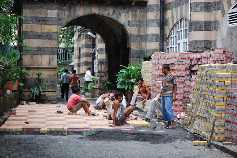 Mumbai General Post Office, workers