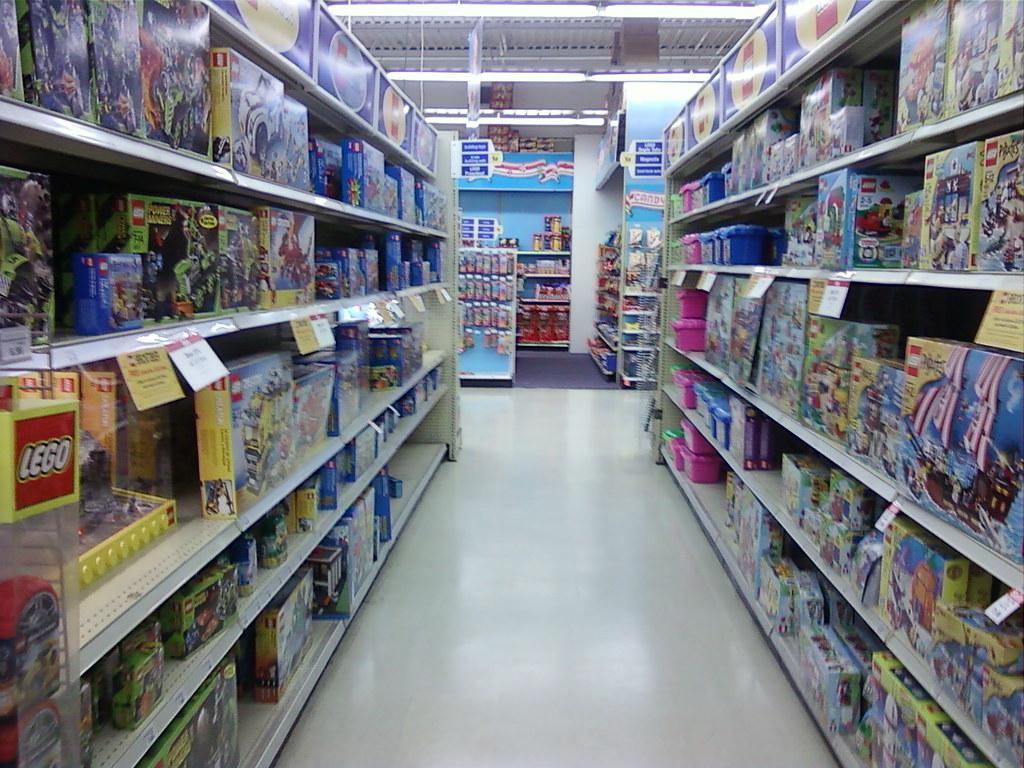 Boy Toys Toys R Us Aisles : Toys r us clive des moines iowa the lego aisle a