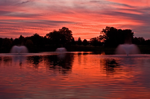 morning red sky sun color water fountain clouds sunrise landscape dawn pond government gaithersburg departmentofcommerce montgomerycounty nist img4028