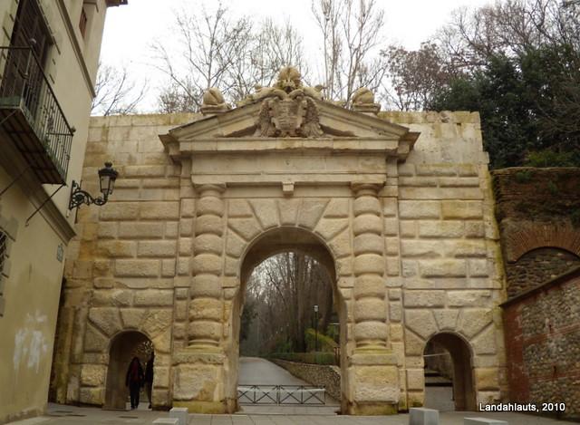Puerta De Las Granadas Alhambra De Granada Andaluc A