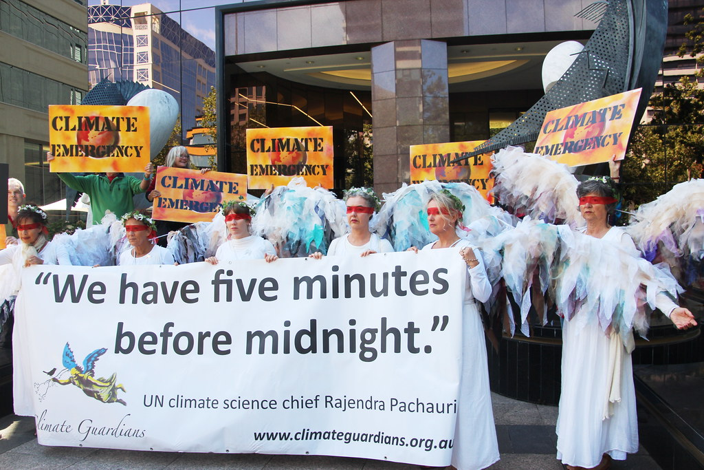 Five minutes to Midnight - Climate Guardian Angels outside US consulate Melbourne