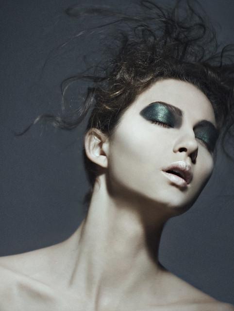 Simon Pais - beauty shot