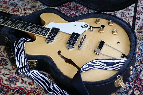 new guitar incoming guitarnutz 2. Black Bedroom Furniture Sets. Home Design Ideas