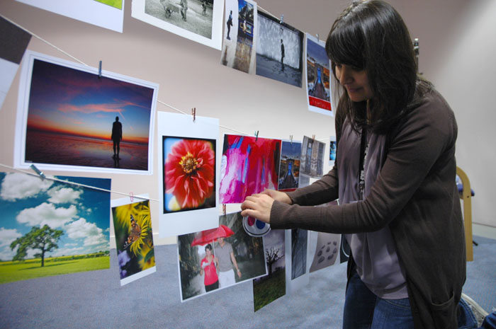 Fozia Bano judging Printswap
