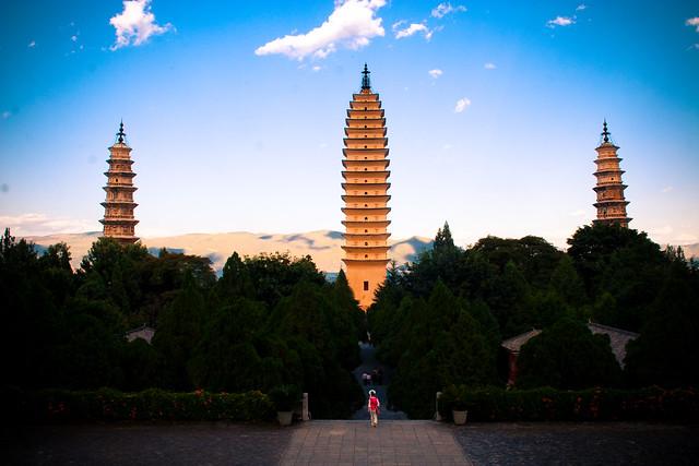 Las Tres Pagodas del Templo Chongsheng, Dali, Provincia de Yunnan, China.