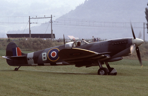 Supermarine Spitfire IX at the 1985 Bex Air Show (CH)