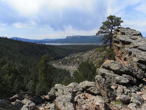 landscape geotagged rocks reservoir geo:lat=3665689267 geo:lon=10672177667